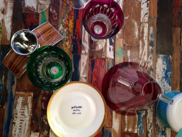 luxury tableware,designer tableware,coloured glassware,