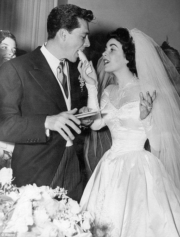 Elizabeth Taylor wedding dress